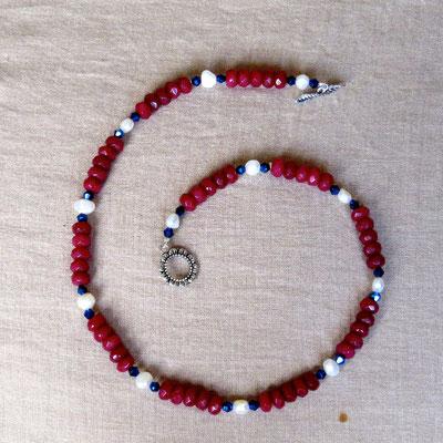 15. Halskette: Rubin, Süßwasserperlen und Swarovski; 45 cm; CHF 70. - VERKAUFT