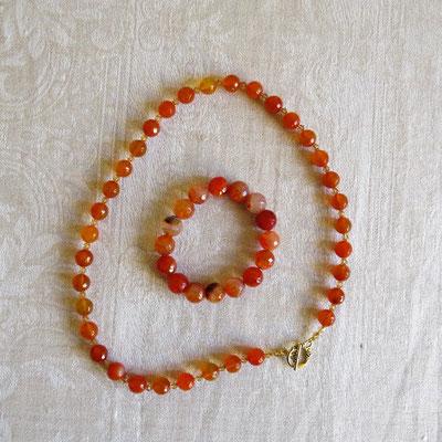 103. Halskette (52 cm) & Armband: facettiertes oranges Achat; CHF 80.