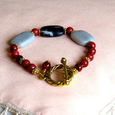 19. Bracelet : Jaspe gris & Chrysocole rouge ; CHF 30.