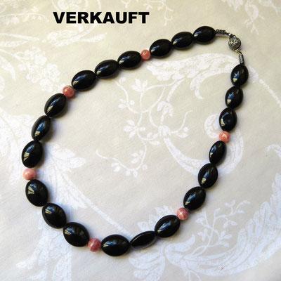 56. Halskette: Schwarze Onyx-Achate und Rhodochrosite; 45 cm; CHF 70. - VERKAUFT