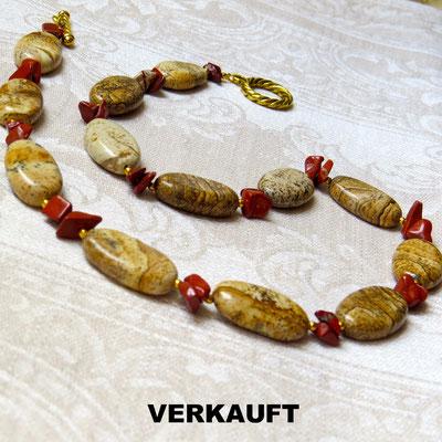 17. Halskette: Jaspis und Roter Jaspis; 52 cm; CHF 70.