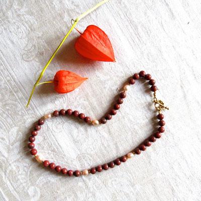 97. Halskette: Rote Jaspis & Rosa Perlen; 45 cm; CHF 60.