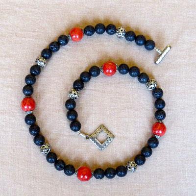 4. Halskette: Lava und Koralle; 52 cm; CHF 55. - VERKAUFT