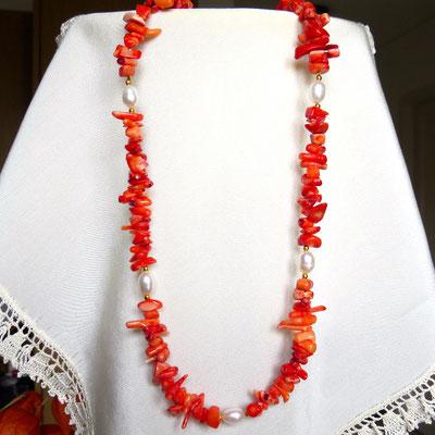 111. Kollier: Koralle & Perlen; 45 cm; CHF 65.