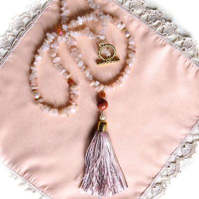 122. Lange Halskette: Jade Angeln, Rosa Perlen & Swarovski; 90 cm; CHF 80.