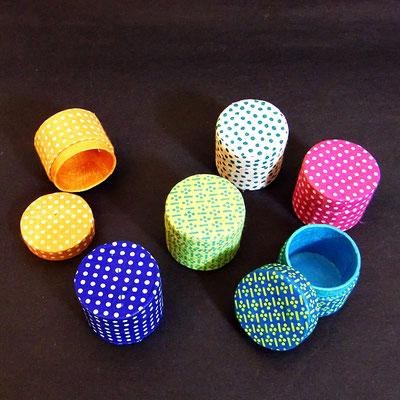 Mini-Schachtel, rund Ø 3,5 cm, mit Lokta-Papier bezogen