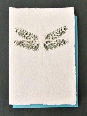 Karte aus Baumwollbütten mit gelasertem Motiv - Libelle