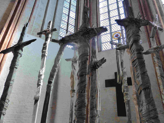 Günter Uecker, Installation in der Marienkirche, Lübeck