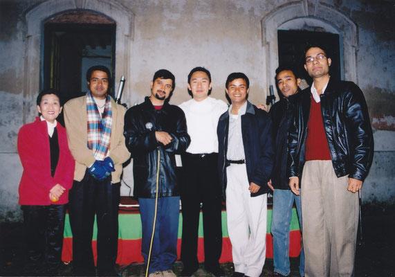 ネパール 現地スタッフと共に
