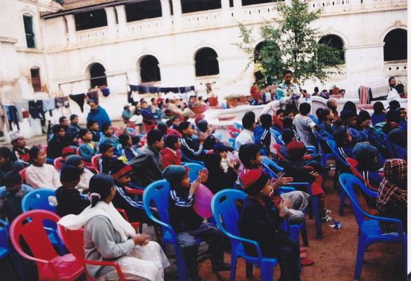 2001、2002年 ネパール支援 NPOマイティ・ネパールにて