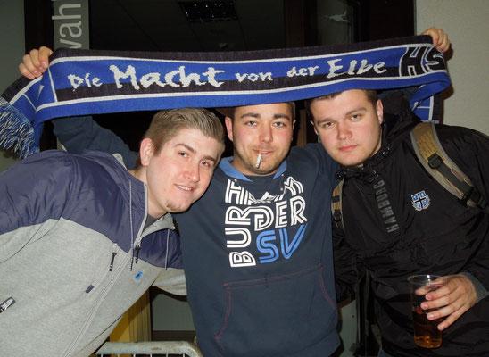 Ostersonnabend im Grillpavillon  HSV : Wolfsburg