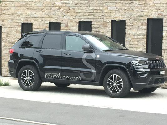 Folienlogo Jeep Cherokee S-Raumkonzept