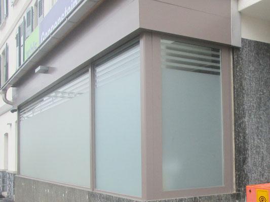 Sichtschutzfolie auf Fensterfront