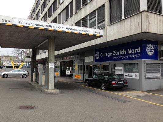 Werbetafeln Thurgauerstrasse 76 in Zürich