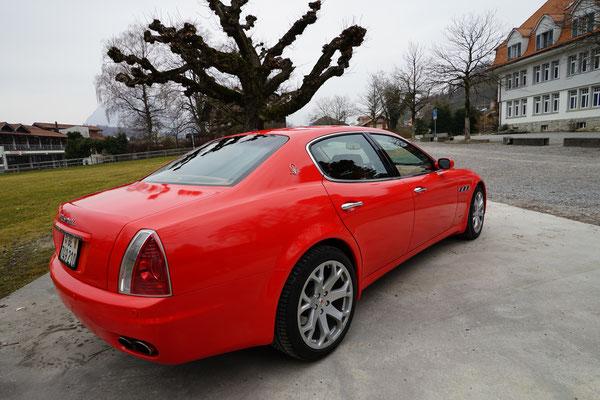 Kundenwunsch war eine Folie ähnlich wie das Ferrari rot