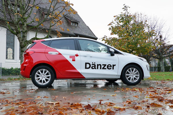 Teilfolierung Fahrzeugflotte Dänzer Werbung Thun
