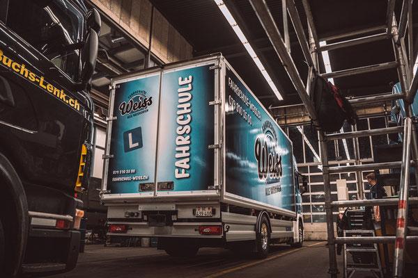 Folierung und Beschriftung LKW Anhänger