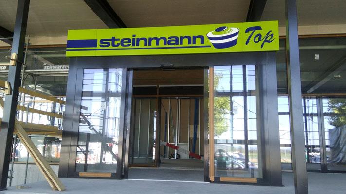 Eingangstafeln Confiserie Steinmann Uetendorf