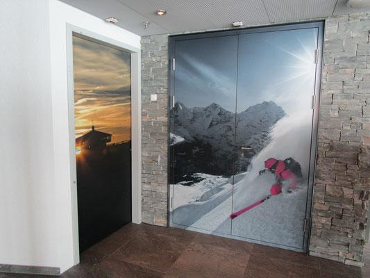 Folierung von Türen mit bedruckten Folien