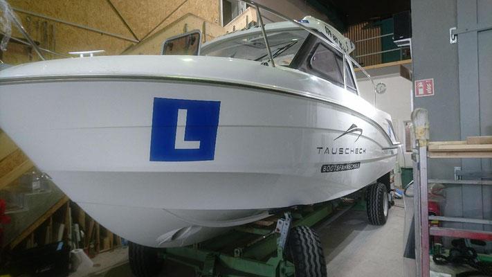 Beschriftung Fahrschulboot