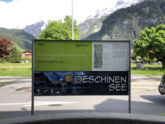 Werbetafel beim Bahnhof Kandersteg