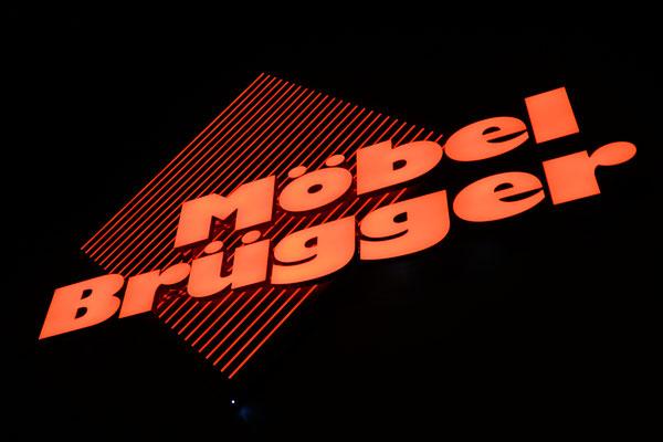 Acrylbuchstaben mit LED ausgeleuchtet
