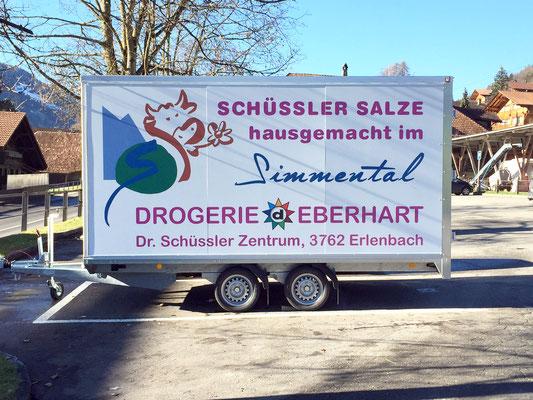 Anhängerbeschriftung Drogerie Eberhart Erlenbach im Simmental