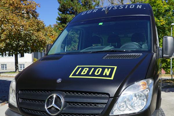 PVC Folien schützen den Fahrzeuglack vor Kratzer, UV Strahlen und Steinschlag