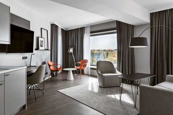 Blick in ein Residence Inn-Appartement in München.