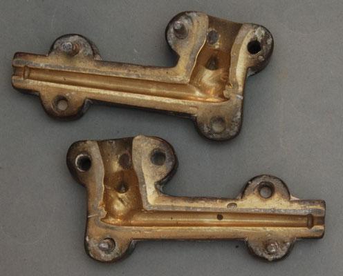 Metalen persvorm van de franse Firma Victor Belle, deze vorm is waarschijnlijk eind 1800 door Belle overgenomen van de eveneens franse firma Dutel Gisclon