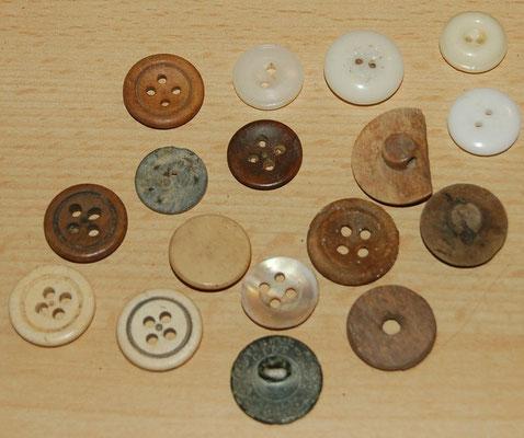 Knopen en knoopjes, been en aardewerk