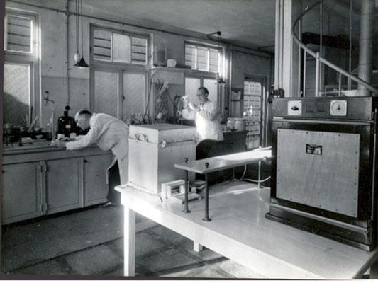 Het Klei en Glazuur laboratorium van voor 1940