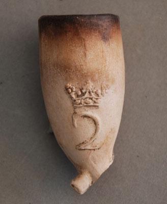 Pijpenkoppen met zijmerk, gerangschikt naar type versiering