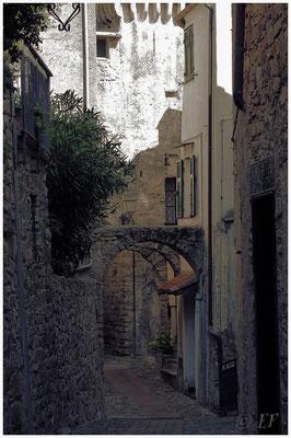 Typische Gassen in den alten Dorfkernen