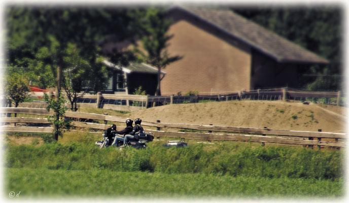 Motorradfahren auf einer...