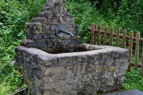 Ein Brunnen an der Anlage