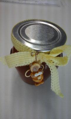 gefülltes Honiggläsli