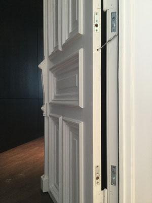 Wer sicher sein will dass seine Türsicherung auch richtig installiert wurde sollte daher lieber einen Fachmann kontaktieren Montagebeispiel Bild_02