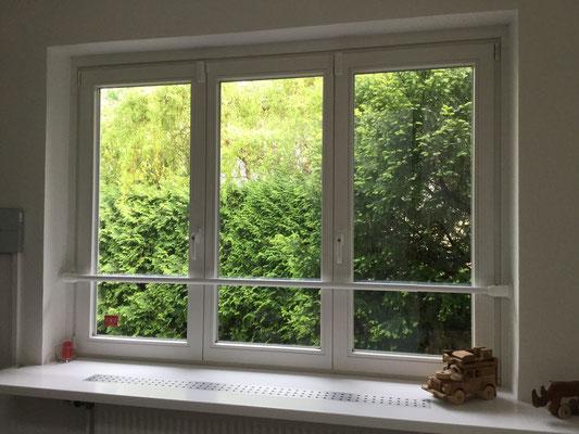 Für ein Fenster kann die Sicherheit gegen Einbruch und Aufhebeln schon durch die Art der Verriegelung erhöht werden