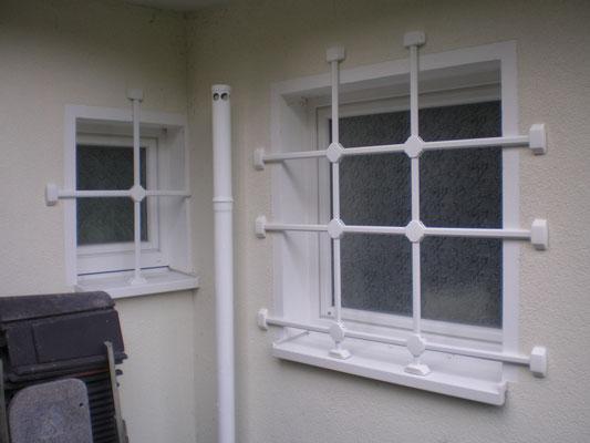 Fenstergittermontage in Hamburg – Fenstergitter mehr als nur Einbruchschutz gegen Einbrecher. Da Fenstergitter zum ersten Eindruck ihres Hauses gehören, haben wir auch an die Ästhetik gedacht Montagebespiel_02