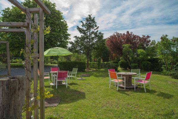 Les Chambres du Vivier, chambres d'hôtes à Durbuy, Ardenne - Détente au jardin