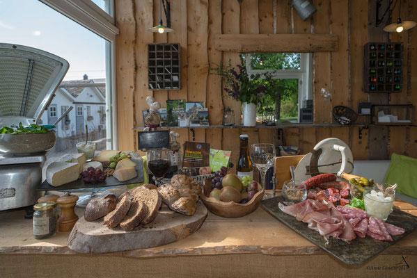 Les Chambres du Vivier, chambres d'hôtes à Durbuy, Ardenne - Assiette de terroir, charcuteries de la ferme et fromages de la région
