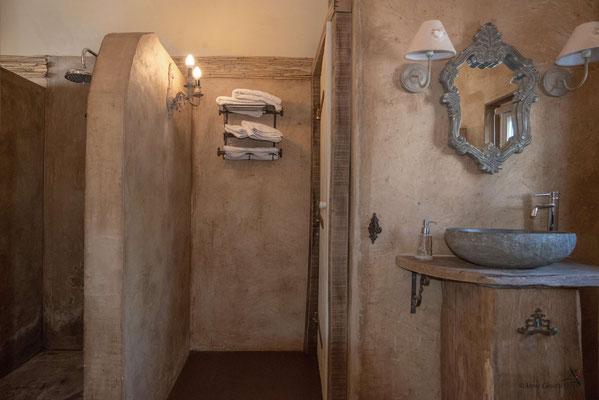 Les Chambres du Vivier, chambres d'hôtes à Durbuy, Ardenne - Chambre Terre, salle de bain (douche à l'italienne)