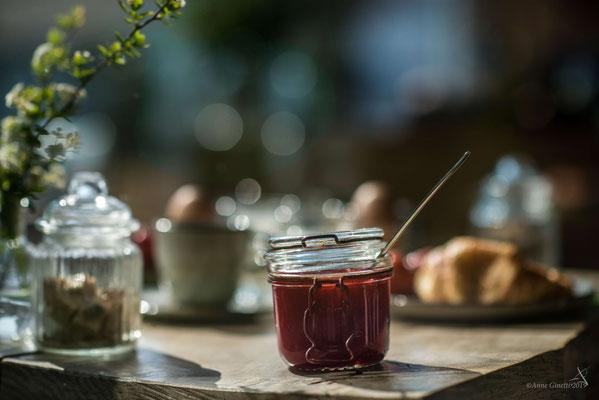 Les Chambres du Vivier, chambres d'hôtes à Durbuy, Ardenne - Petit déjeuner avec confitures maison
