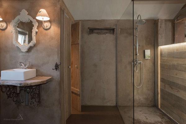 Les Chambres du Vivier, chambres d'hôtes à Durbuy, Ardenne - Chambre Bois, salle de bain (douche à l'italienne)