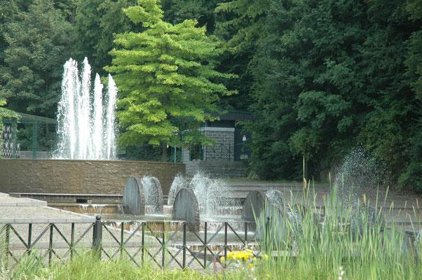 Durbuy Vieille Ville, l'Anticlinal et son plan d'eau