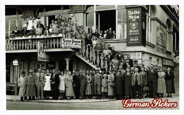 AK / Foto Hotel Lahneck in Koblenz Stolzenfels mit reichlich Reklame der Nette Brauerei aus Weissenthurm um 1940.