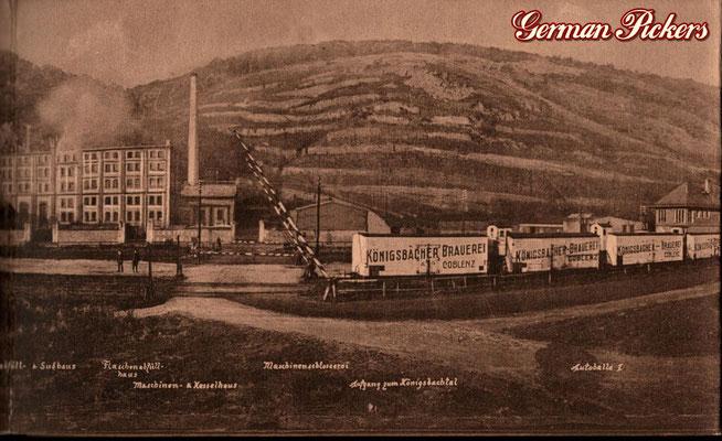 AK / Foto - Alte Ansicht der Königsbacher Brauerei - in der Front alte Zugwagons mit Königsbacher Aufschrift um 1900