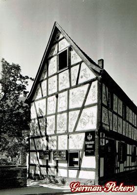 AK / Foto Wirtshaus an der Ecke - Emailschild Königsbacher Brauerei / Bräu