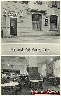 AK / Foto - Gasthaus Refisch aus Koblenz mit Königsbacher Bräu Hinterglasschild um 1950